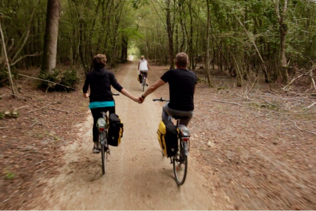 holding-hands-bike-ride